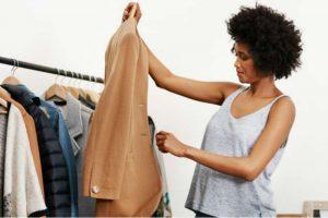 77545e9c3 Há quanto tempo você não separa roupas e sapatos que não usa mais? Deixe um  tempinho para ver o que pode ser vendido em casa, ...